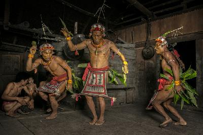 Find the Peacefulness with Mentawai Tribe